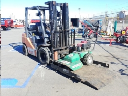 Where to rent LOAD-N-TOW for WAREHOUSE FORKLIFT in Campbell CA
