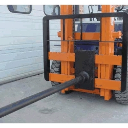 Where to rent CARPET POLE, 10  KOMATSU in Campbell CA