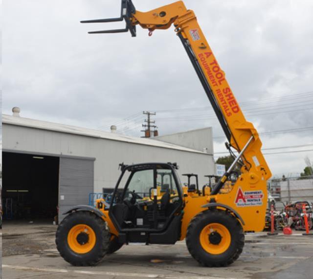 40 Foot High 4x4 Telehandler Reach Forklift Rentals