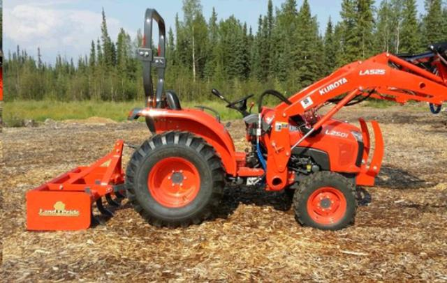 Where to find GARDEN TRACTOR with LOADER   SCRAPER BOX in Campbell